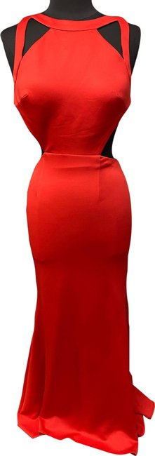 Item - Red 8004 Long Formal Dress Size 6 (S)