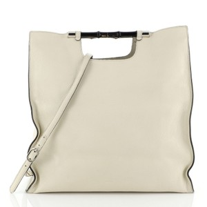 Gucci Leather Tote in Neutral