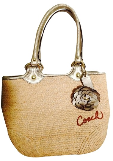 Preload https://item4.tradesy.com/images/coach-tote-bag-tan-and-gold-2734513-0-0.jpg?width=440&height=440