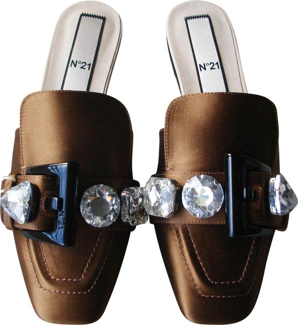 N°21 Brown Jewel Buckle Mules/Slides Size EU 37 (Approx. US 7) Regular (M, B) N°21 Brown Jewel Buckle Mules/Slides Size EU 37 (Approx. US 7) Regular (M, B) Image 1