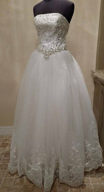 Item - Ivory Christine | Strapless Tulle Ballgown Crystal Jewel Applique Formal Wedding Dress Size 6 (S)