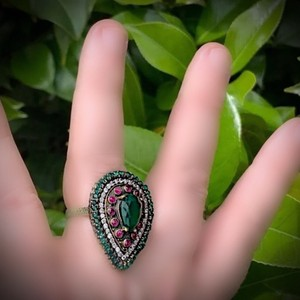Red/Green Sale Emerald Ruby Fine Art Size 8.5 Solid 925 Sterling Silver/Gold Wow Brilliant Facet Pear/Round Cut Gemstones Ring