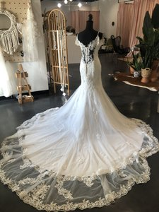 Maggie Sottero Ivory Lace/Tulle Della Traditional Wedding Dress Size 12 (L)