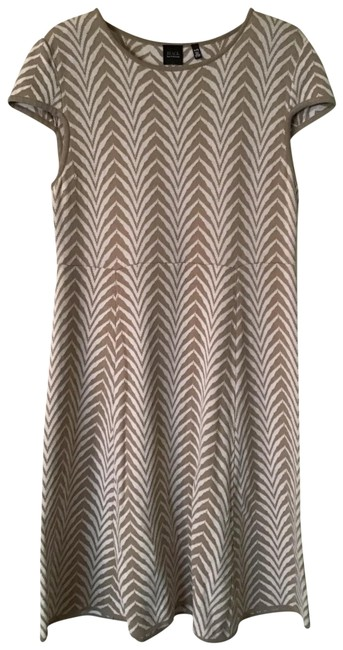 Item - Taupe and White Mid-length Work/Office Dress Size 14 (L)