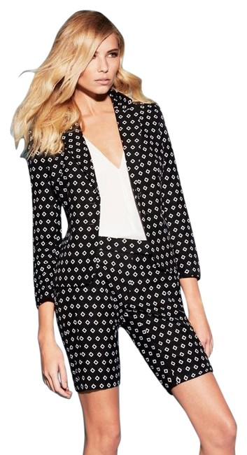 Preload https://item3.tradesy.com/images/vince-camuto-rich-diamond-print-jacquard-blazer-size-2-xs-273577-0-5.jpg?width=400&height=650