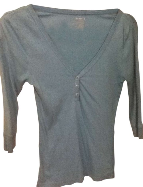 Preload https://item1.tradesy.com/images/old-navy-blue-buttons-v-neck-tee-shirt-size-6-s-273585-0-0.jpg?width=400&height=650