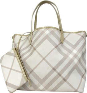 Burberry Fabric Patent Leather Tote in Beige
