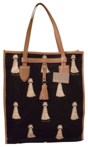 Isabella Fiore Tassel Print Design And White Canvas Nwt Leather Trim Tote in Black