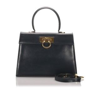 Ferragamo 0cfrst003 Vintage Leather Satchel in Black