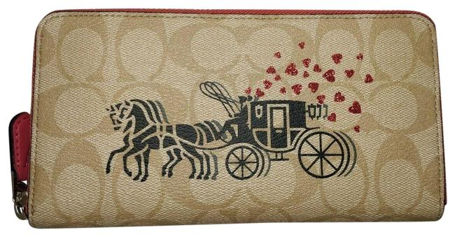 Item - Poppy New 91571 Accordion Zip with Horse & Carriage Light Khaki Wallet