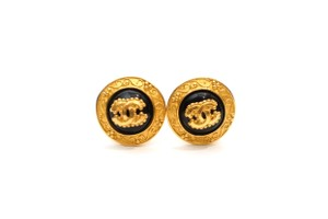 Chanel Vintage CC Logo Filagree Clip On Earrings