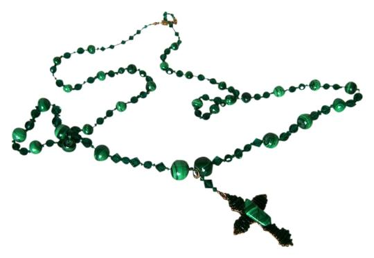 Preload https://item1.tradesy.com/images/greeen-necklace-2736475-0-0.jpg?width=440&height=440