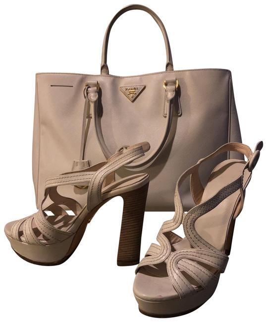 Item - Cream Platform Sandals Size US 6.5 Regular (M, B)