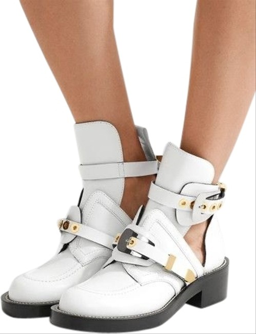 Item - White with Gold and Silver Hardware Ceinture Boots/Booties Size EU 40.5 (Approx. US 10.5) Regular (M, B)