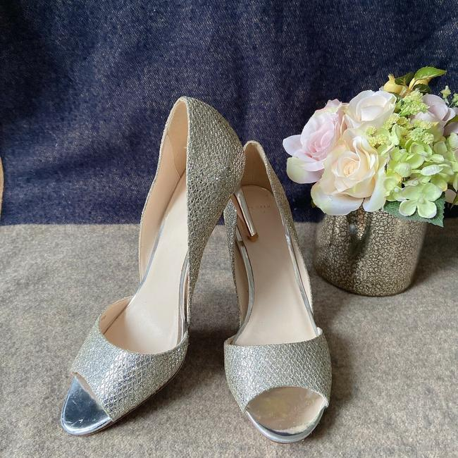 Item - Silver Peep Toe D'orsay Heel Gold Metallic Glitter Pumps Size US 8.5 Regular (M, B)