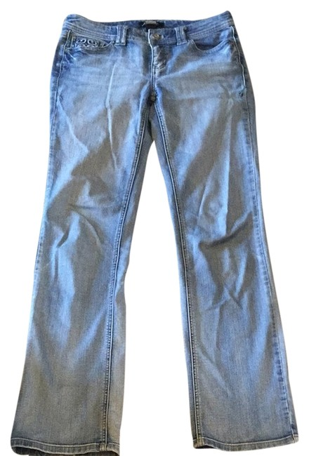 Preload https://item5.tradesy.com/images/white-house-black-market-light-blue-wash-love-life-boot-cut-jeans-size-26-2-xs-2737129-0-0.jpg?width=400&height=650