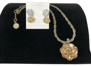 Jessica Simpson Jessica Simpson Ruffle Necklace Earring Set Silver Gold Flower