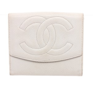Chanel Chanel Vintage White Caviar Leather Timeless Compact Wallet