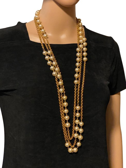 Item - Gold/ Pearl Layer Chain Long Vintage Necklace
