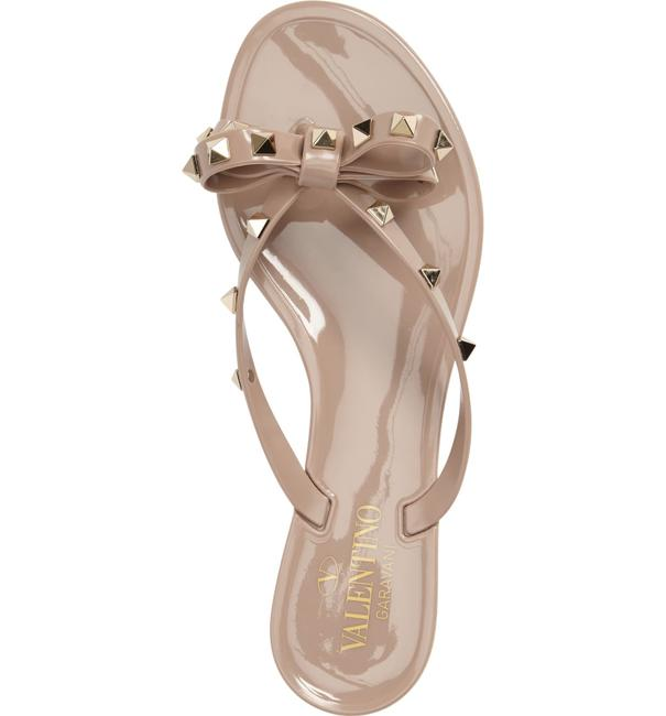 Item - Poudre Beige Jelly New Rockstud Rubber Flip Flops Sandals Size EU 37 (Approx. US 7) Regular (M, B)