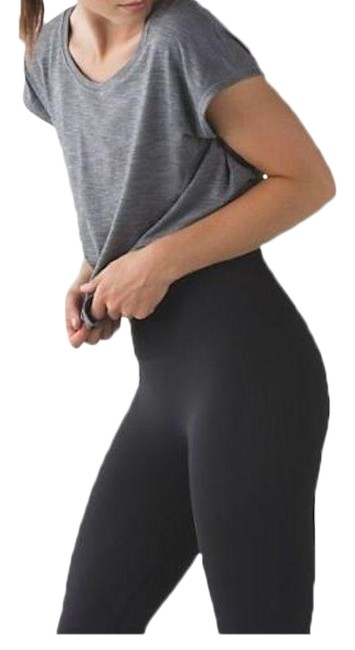 Item - Gray High Waisted Flow and Go Seamless Leggings Activewear Bottoms Size 4 (S, 27)