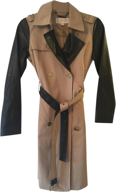 Item - Beige and Black Coat Size 2 (XS)