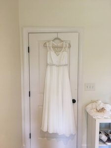 Mori Lee White Chiffon and Lace A-line with Bodice Flowy Skirt Traditional Wedding Dress Size 12 (L)