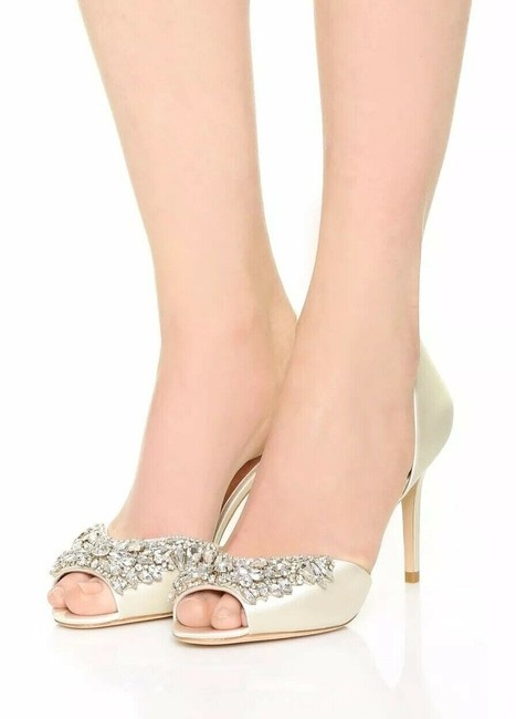 Item - Ivory Peep Toe Embellished D'orsay Heel Satin Pumps Size US 8.5 Regular (M, B)