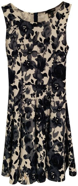 Item - Blue/White Floral And Short Casual Dress Size 6 (S)