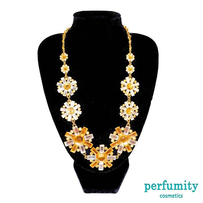 Item - Gold and Yellow New York Glamorous Golden Flower Multi Resin Stone Necklace