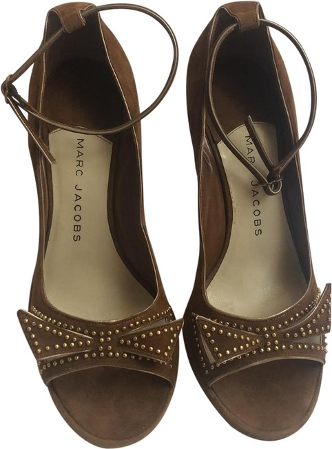 Item - Brown Pumps Size US 8 Regular (M, B)