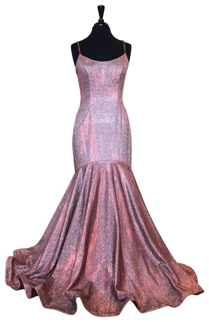 Item - Red/Silver 53370 Long Formal Dress Size 10 (M)