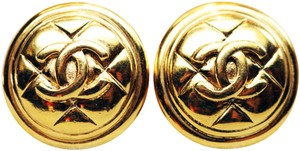 Chanel VINTAGE 1980s CHANEL CC Logo earrings *signed*