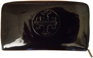 Tory Burch Tory Burch Patent Leather Continental Wallet