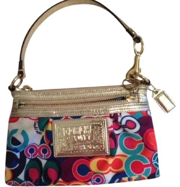 Item - Poppy Large Pop C Print Wristlet Purse Pink Clutch