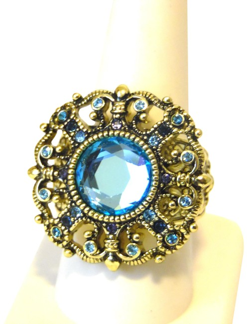 """Item - Bronzetone """"How Suite It Is"""" Crystal Size 9 Ring"""
