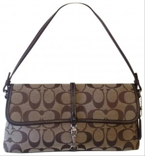 Preload https://img-static.tradesy.com/item/27393/coach-small-size-purse-chocolate-brown-clutch-0-0-540-540.jpg