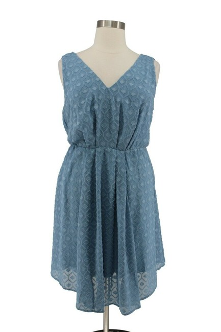 Item - Blue Textured Chiffon V-neck Fit Flare Empire Waist Short Casual Dress Size 16 (XL, Plus 0x)