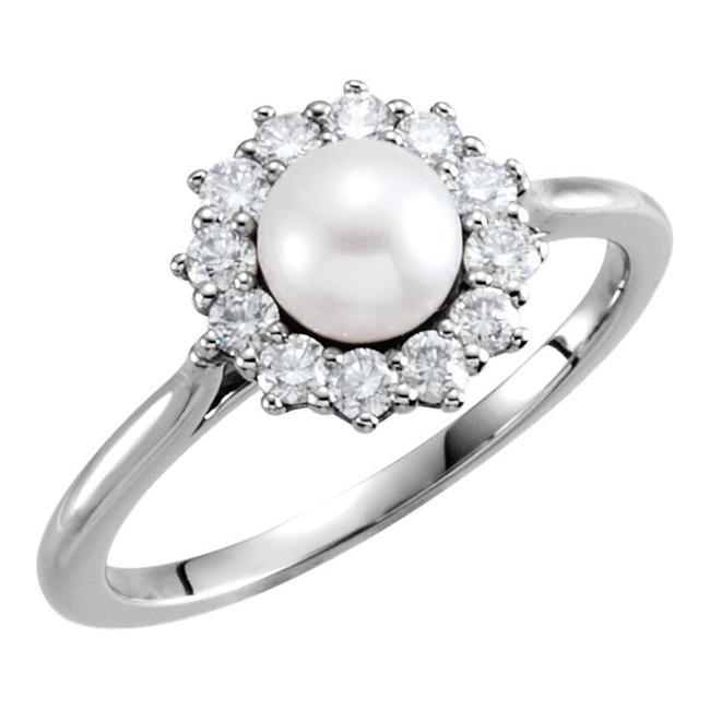 Item - White Freshwater Cultured Pearl and 0.40 Ring