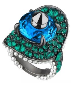 Gucci NEW GUCCI GORGEOUS SWAROVSKI EMERALD STUDS AND CRYSTALS PAVE COCKTAIL RING 7
