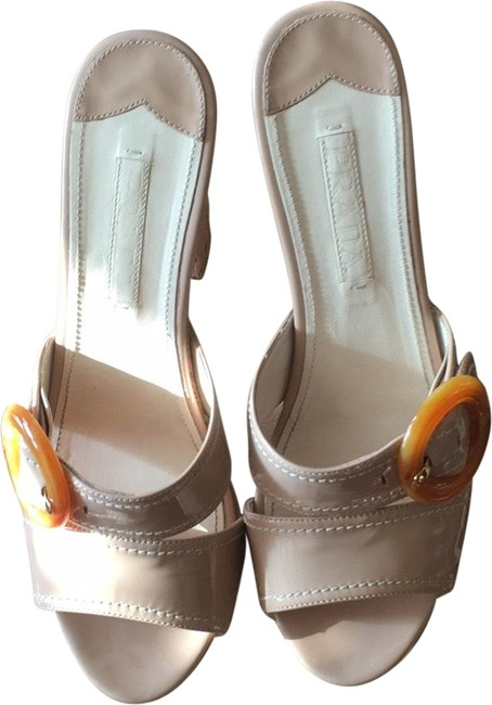 Item - Tan Patient Leather Mules/Slides Size EU 39.5 (Approx. US 9.5) Regular (M, B)