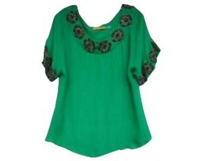 Preload https://item5.tradesy.com/images/alice-olivia-green-blouse-size-4-s-274-0-0.jpg?width=400&height=650
