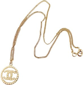 Chanel Chanel Vintage Gold Plated CC Pearl Round Pendant Necklace