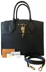 Louis Vuitton Tote in Gris