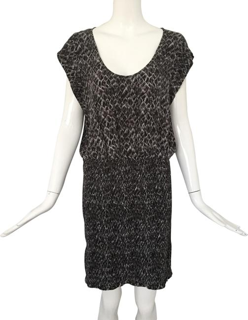 Item - Gray White Feather Print Smocked Mid-length Short Casual Dress Size 6 (S)