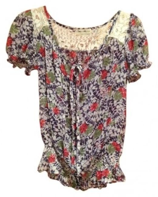 Preload https://img-static.tradesy.com/item/27404/forever-21-floral-pattern-with-lace-short-sleeves-loose-blouse-size-4-s-0-0-650-650.jpg