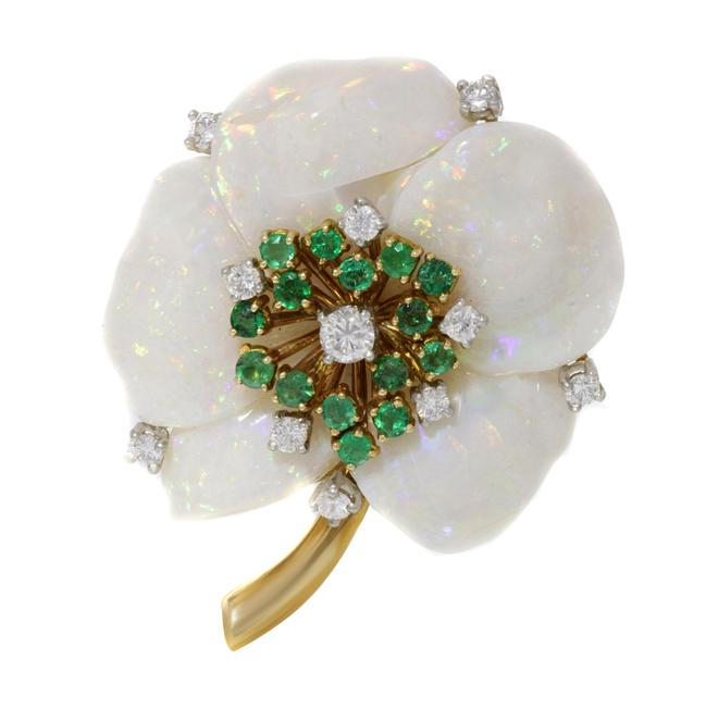 Item - 18k Yellow Gold Of Pearl Diamond Emerald Brooch