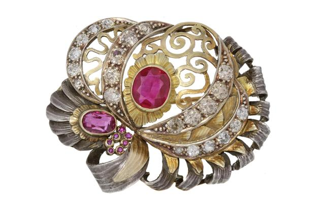 Item - 18k Yellow Gold Sterling Silver 22 Diamonds 9 Pink Stones Brooch