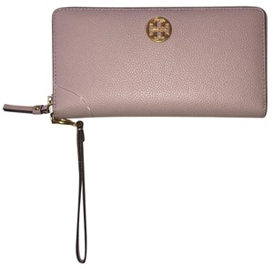 Tory Burch Tory Burch Everly passport continental wallet