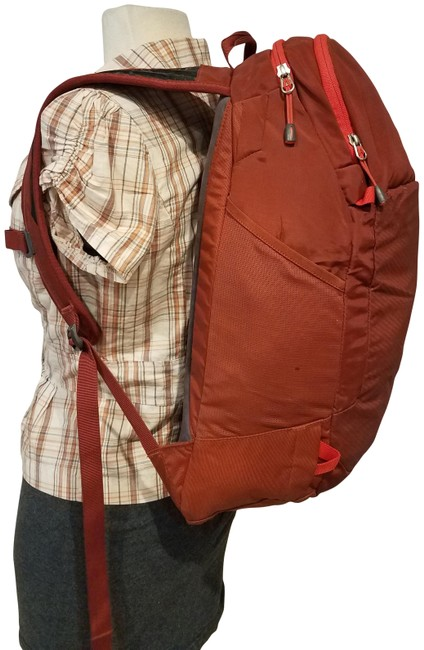Item - Hiking Trailing *light Wear In and O Burgundy Nylon/Leather Backpack